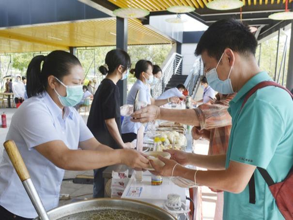 三江口生态公园:赏传统民乐 品福州美食