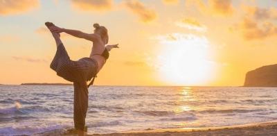 一套适合中老年人练习的养生瑜伽来了!