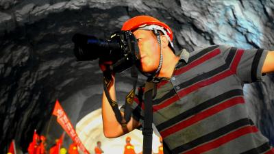 """""""最美新闻工作者""""叶义斌:用摄影镜头记录时光"""