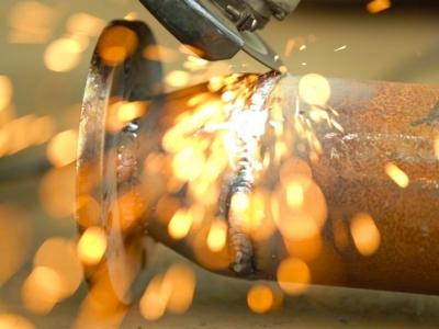 微视频   电焊工:青春在焊花中激扬