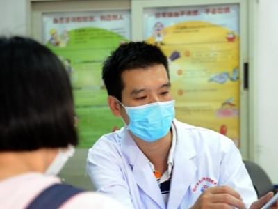 张宏:战斗在禁毒防艾最前线11年