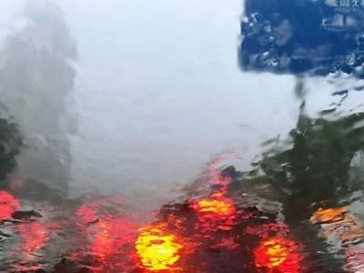 惊雷、暴雨开刷!福州人的朋友圈,今天太忙!