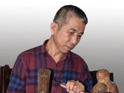 """张其仕:用刻刀代言,坚守木雕艺术""""一亩方田"""""""