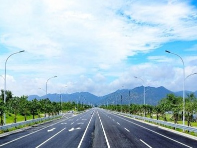 """福州滨海新城""""最美路堤"""" 下月通车"""