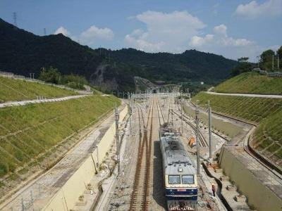 福平铁路通过初步验收