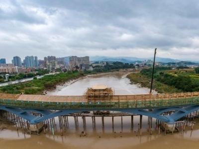 连江敖江首座观景步行桥主体完工 明年春节前投用