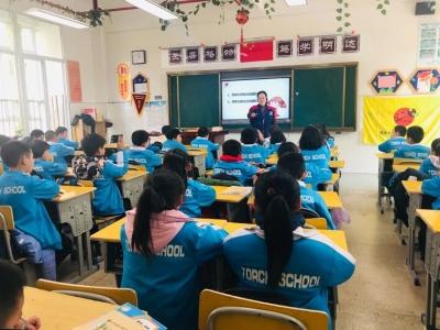 福清志愿者入校园 守护孩子健康成长